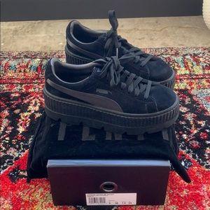 Shoes - PUMA FENTY Creeper Black Platform Shoe Sneaker 7.5